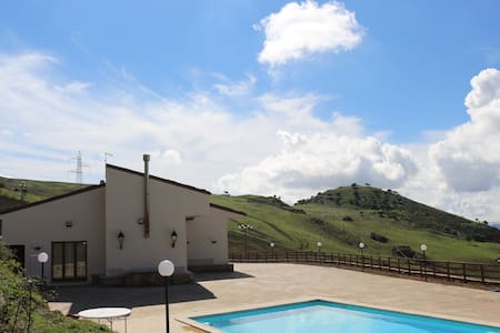 Holiday farmhouse Monte Soprano - Capizzi, Sicilia, IT