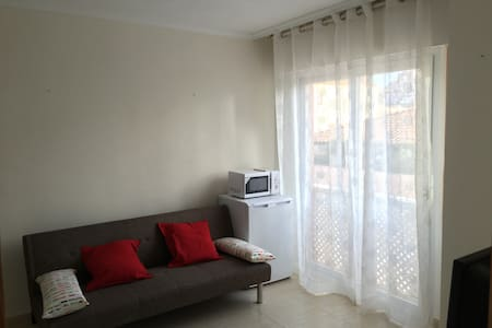C)1 bedroom holiday apartment with parking LaManga