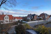 udsigten fra soveværelset med Sveriges kyst i det fjerne