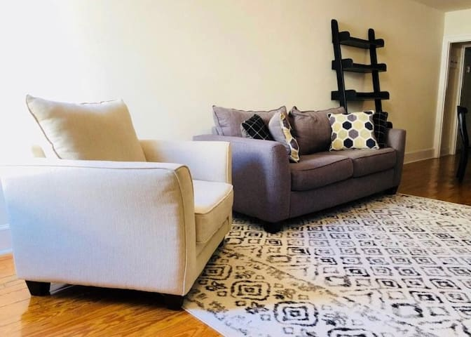 Private room in the heart of Federal Hill!