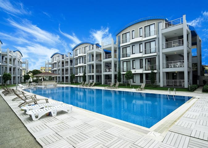 Side Garden Residence apartments