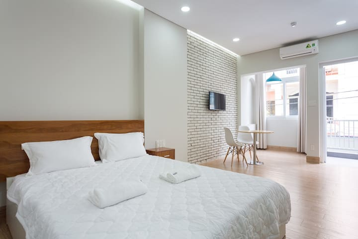 #1A New studio with kitchen & balcony in D1 - Ho Chi Minh City - Appartement