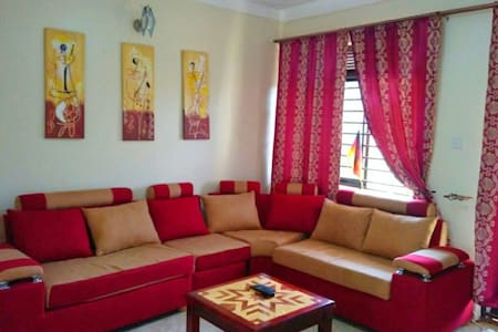 Apartment in Kampala with 2 balconys and BahaiView - 坎帕拉 - 公寓