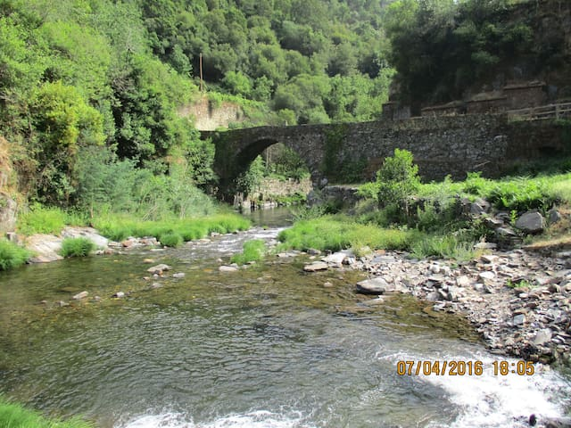 En nog  een heerlijk zwemwater met Romeinse brug