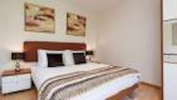 Beautiful 2 bedroom flat available in east london
