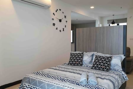 D'Wharf Port Dickson Waterfront (Up to 6 pax)