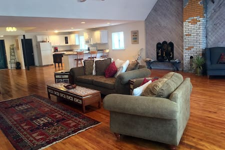 Huge Luxury Loft & Venue, Downtown, Winnipesaukee, - Meredith