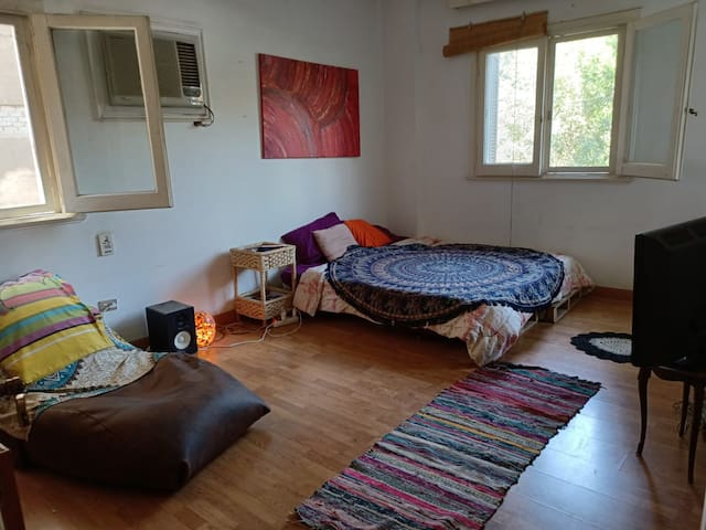Bedroom in a shared flat in Maadi - for ladies