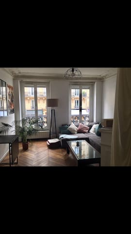 Apartment in the heart of the Marais