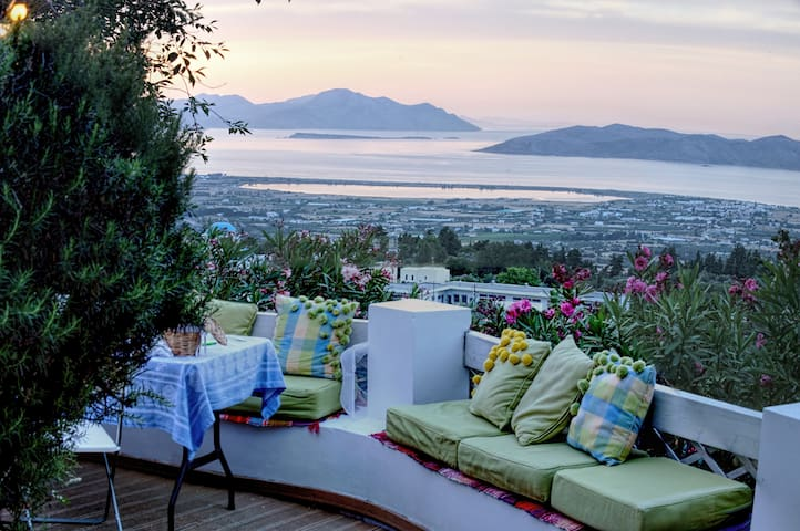 Asomatos house with a view