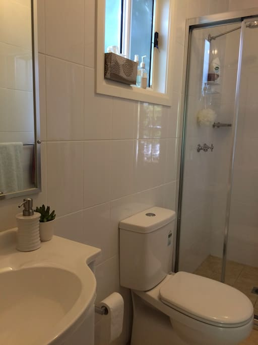 Immaculate separate bathroom with shower