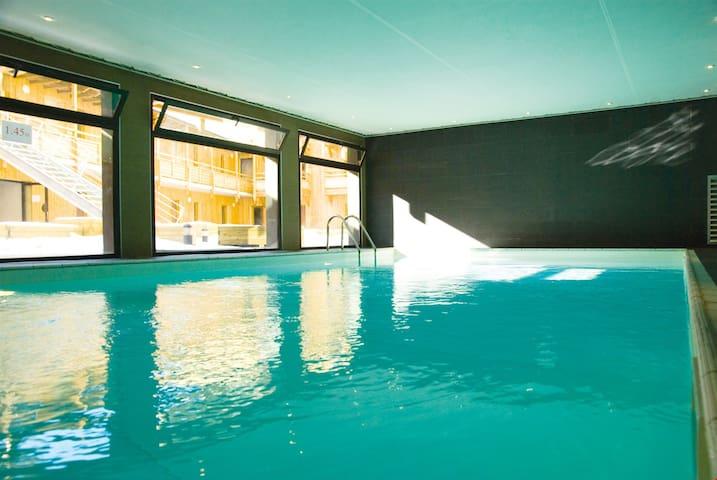 Appartement à 20m du télécabine | Local à Ski + Accès Piscine!