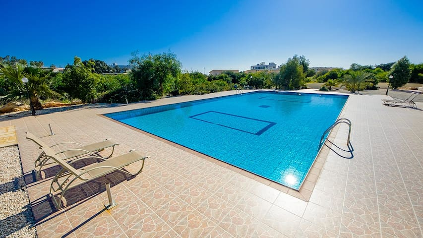 RENT your luxury PRIVATE VILLA in Cyprus, Apartment 064