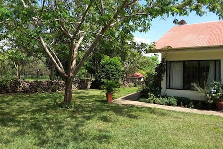 Arusha Bungalow on Exclusive Wildlife Estate