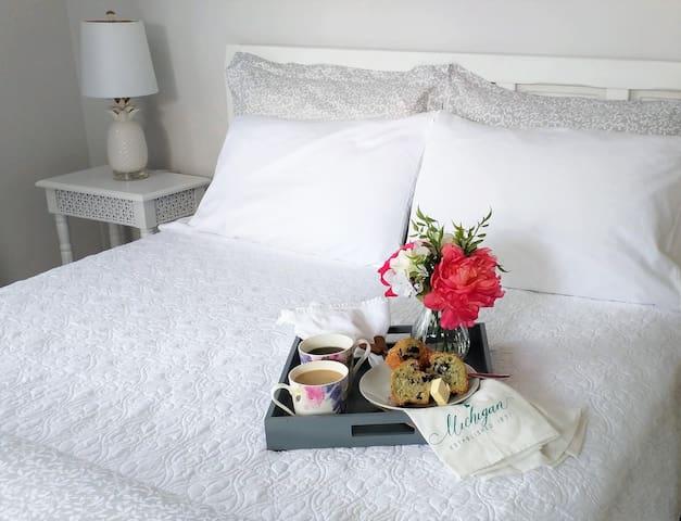 Holland/Lake Michigan ⚓ Private Suite Retreat