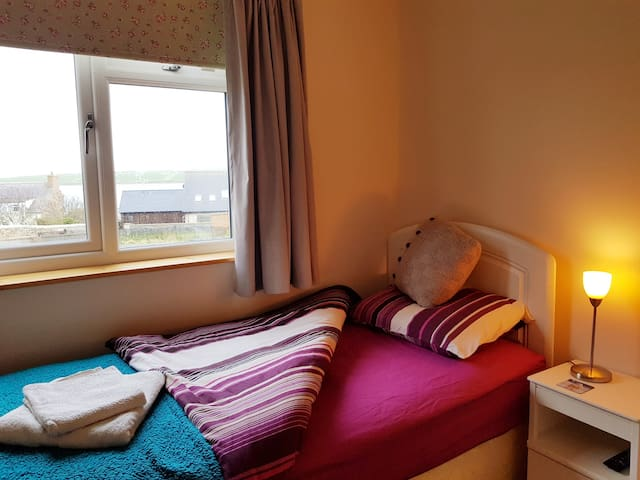 Single cosy room with seaviews