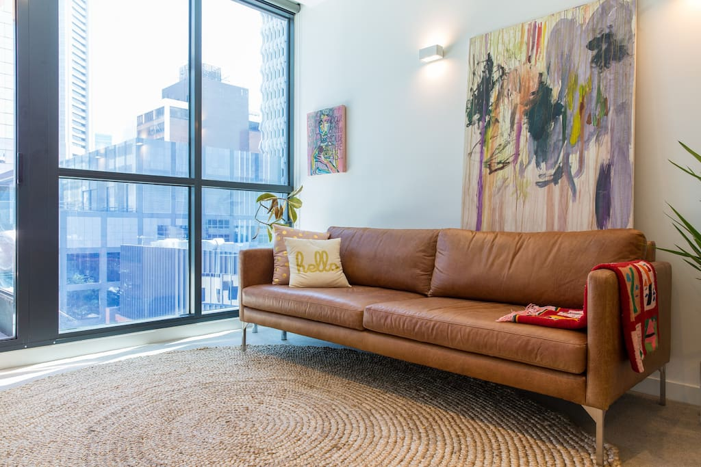 Great views of the heart of Melbourne CBD from your living room.