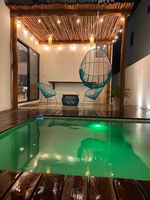 Privat poolhus i Chelem og strandklub