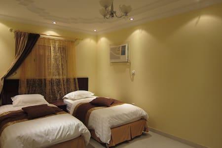 1 BDR Fully furnished Apartments - Jeddah - Flat