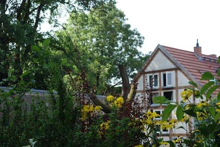 Gemütliches Ferienhaus am Fluss - Neuhardenberg