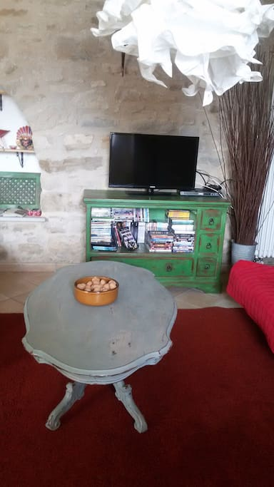 TV , DVD and large DVD collection