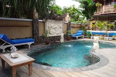 Rumah Manis Twin Room 1 with AC/hot water and pool - Pemenang