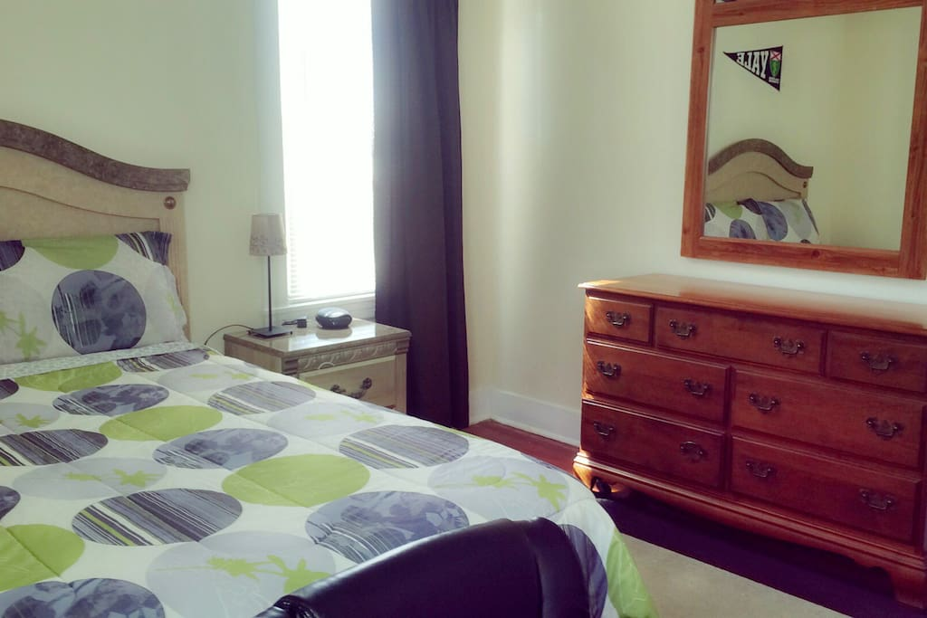 Fully furnished room with a Queen size bed, dresser, closet & study desk