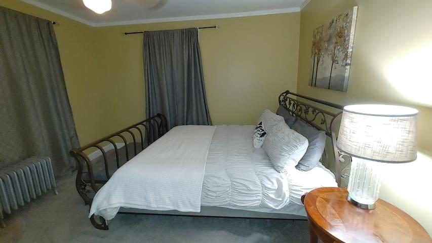 Main level bedroom 4