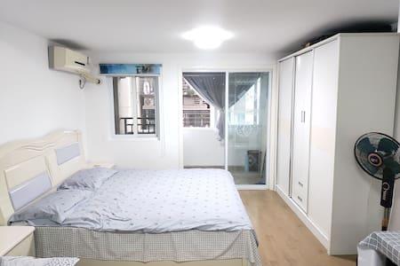华茂1958公寓简约风格民宿