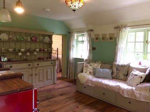 Quaint country cottage 15 mins fr Stratford.