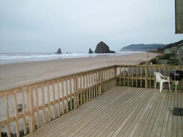 Oceanfront home in Cannon Beach - Isabel House - 캐논 비치 - 단독주택