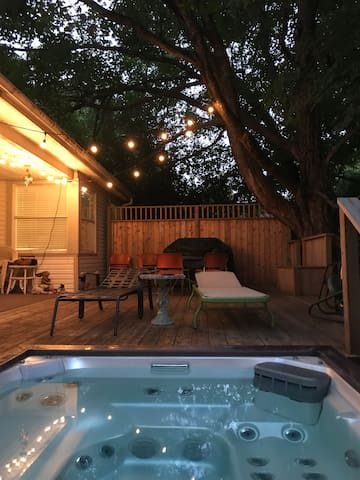 Charming Wilson Park home w/hot tub and great deck