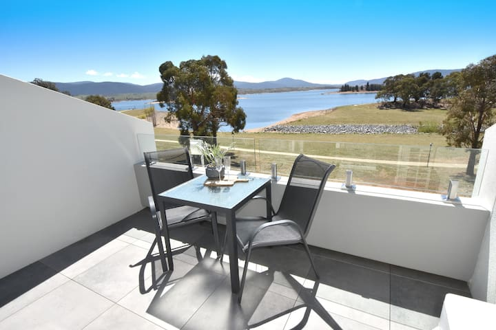 Horizons Resort Lakeview Studio - Jindabyne