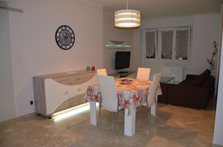 """Appartamento nuovo in centro a 15"""" da Malpensa"""