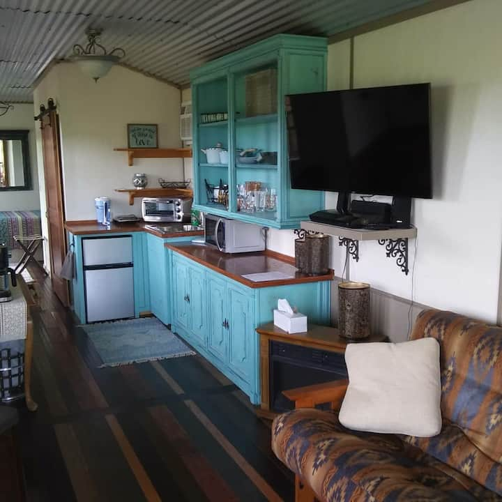 Zannabella-Valley View Lodge-with breakfast