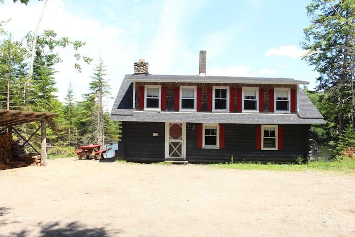 Cottage #5, Robinson's Cottages, Pet-friendly