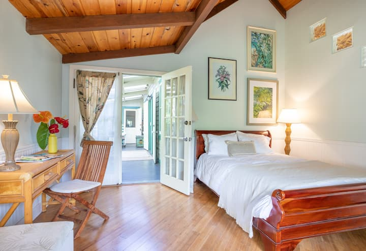 Upcountry Hospitality in the 'Auwai Suite
