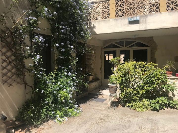 loft et terrasse fleurie uniquement pour vous