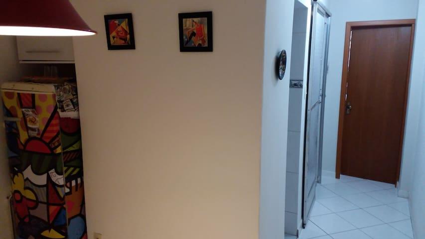 Vista corredor da sala para o quarto