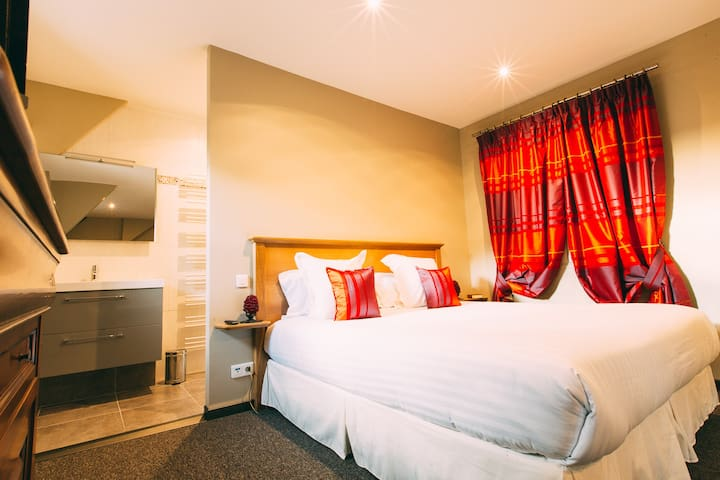 The Gem, a cosy room in The Somme