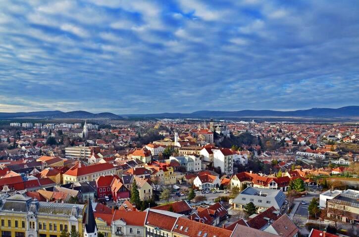 Panorama View apartment Veszprém sétáló utcájában