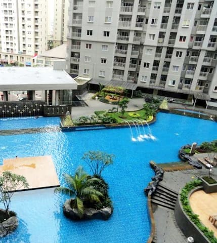 Apartment Royal Mediterania w/ Swimming Pool View