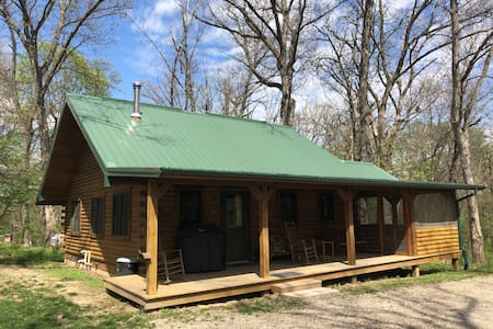 Log Cabin In The Woods - Great for a Staycation!