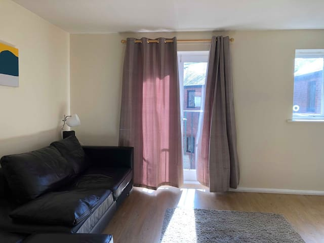 2 bedroom apartment Blackfriars,Chinatown