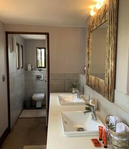 iKhaya LamaDube Game Lodge - Luxury Villa