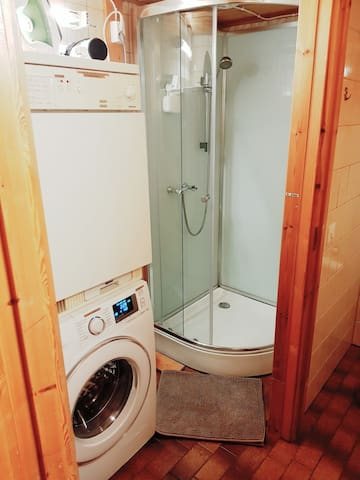 Own shower. (not shared)  Washer and dryer can be used freely at no charge.  Other guests may use the washer and dryer too.