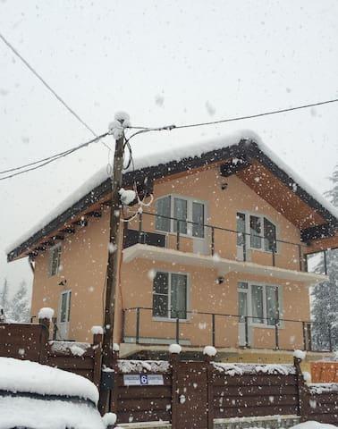 Дом на Ачишховской 6 - Сочи - House