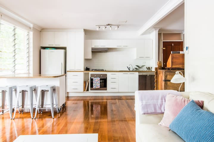 Sunny retreat in trendy Paddington