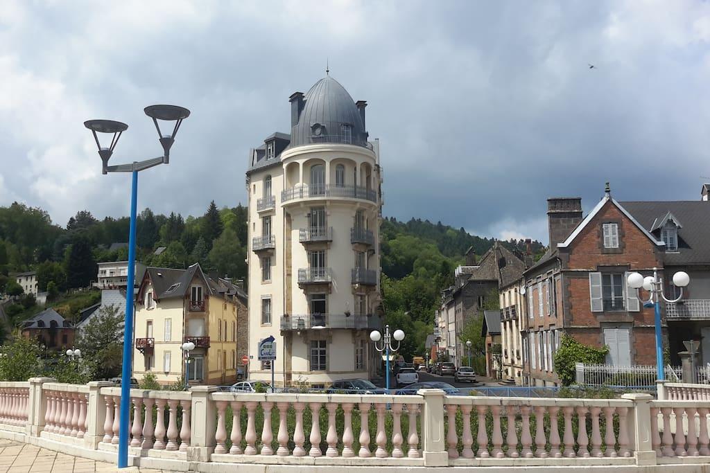 Résidence de Paris, ancien hôtel de type Hausmanien refait à neuf