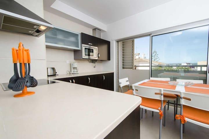 2 Bed with rooftop pool overlooking Praia da Rocha